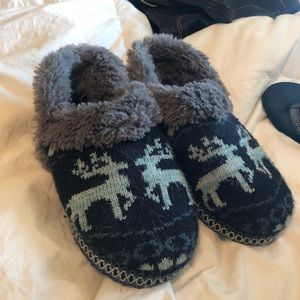 Mukluks Slippers